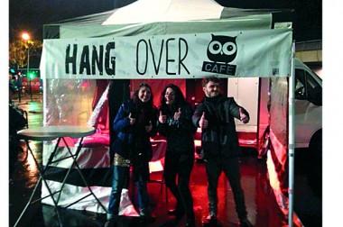 Le Hangover café, un minibus qui sillonne la ville pour prévenir les excès de la nuit