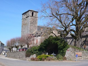 Clocher_Arvieu_Aveyron