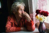 isolement-personne-agee-dependance-retraite
