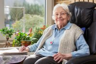 personne-agee-domicile-alerte-dependance-autonomie
