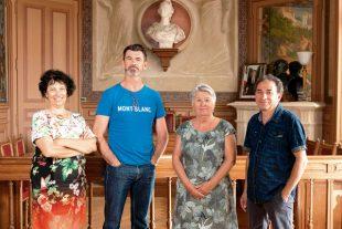 A la mairie de Saillans (26) de gauche à droite : Agnès Hatton (élue communautaire) , Vincent Beillard (maire), Annie Morin (première adjointe) et Fernand Karagiannis (conseiller)