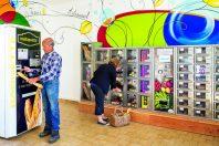 Pour redonner une dynamique au bourg, la commune de Paulmy (Indre-et-Loire) a investi dans un distributeur d'aliments de base.