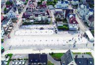 Le revêtement du parking est constitué d'éco-pavés drainants à base de coquilles Saint-Jacques, permettant d'alimenter, en dessous, un bassin d'infiltration.
