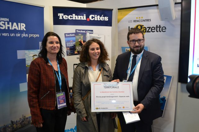 Estelle Walter-Serre, présidente de l'ATTF, à droite, avec les représentants du département des Pyrénées-Orientales.