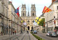 Orléans,_pavoisement_pour_les_Fêtes_de_Jeanne_d'Arc_2017