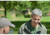 [Vidéo] 1 agent, 1 métier : immersion au cœur du métier de jardinier(e) avec Laurence