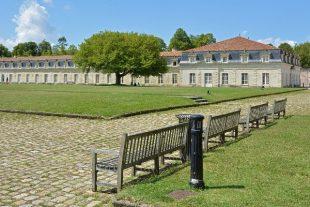 Corderie-de-l'Arsenal-a-Rochefort,-Charente-Maritime Pline wikimedia commons