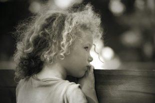 tristesse enfant triste