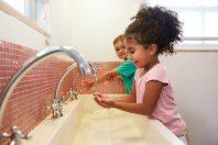 enfants lavage mains