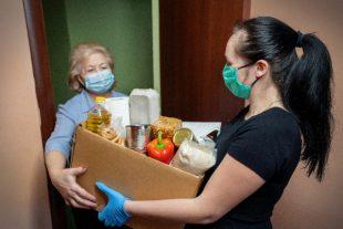 pauvrete-distribution-nourriture-masque
