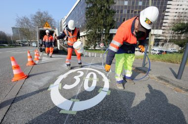 Marquage sol, Zone 30Km/h  ©Grenoble-Alpes Métropole-Guillaume Rossetti