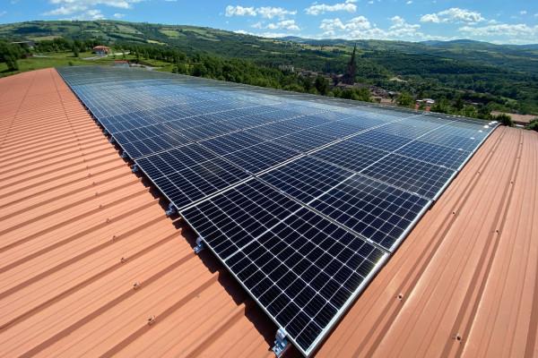 TTToiture photovoltaïque sur le gymnase Belmont (c) Parc des Grands Causses