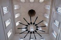 640px-Lyon2e-Grand-Hotel-Dieu-Cite-internationale-de-la-gastronomie-de_Lyon-Plafond-du-petit-dome-600x400