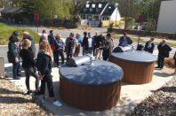 Élus et techniciens de l'Association des maires et communautés de Vendée accueillis par Bruded à Guipel (Ille-et-Vilaine) pour échanger sur la dynamique des cœurs de bourg.