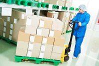 Entrepôt colis cartons