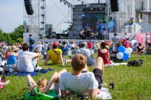 festival-assis-Anton Gvozdikov-AdobeStock_288392804