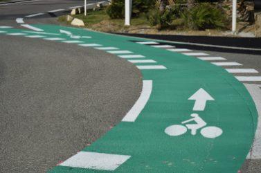 Port-Leucate, Aude, pistes cyclables sur rond-point.
