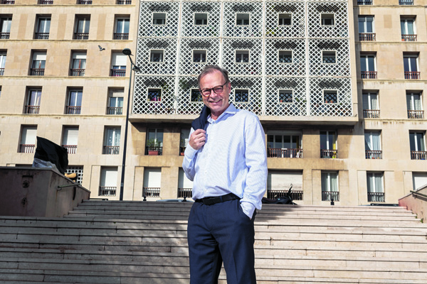 Nicolas BINET, jeune retraitŽ et ex-Directeur du Groupement d'IntŽrt public - Marseille RŽnovation Urbaine