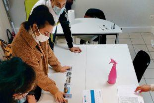 Dax, en octobre 2020. Les missions locales proposent des ateliers aux décrocheurs, comme celui sur les mobilités douces mené par celle des Landes.