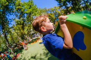 Enfant aire de jeux
