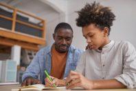 Enfant - parent - devoirs - aide