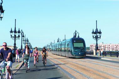 Les appels à projets financés par l'Europe, grâce au fonds «React-UE», permettront aux collectivités de porter des projets de mobilité douce, notamment. Ici, Bordeaux.
