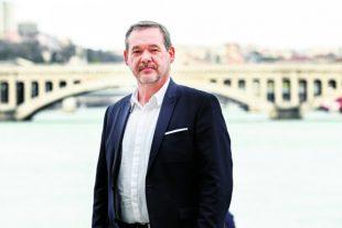 Yves Charmont, Pdg de Cap Com ˆ Lyon