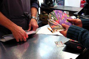 Dans le Puy-de-Dôme, on utilise la « doume ». Un paiement en monnaie locale génère entre 1,25 et 1,5 fois plus de revenus qu'un règlement en euros.