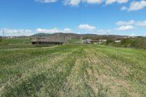 Photo 1 – Pour prairies plus naturelles sursemis d'espèces locales de la Drôme sur parcelles en ORE © CDC Biodiversité