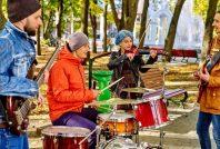 concert-rue-Gennadiy Poznyakov-AdobeStock_94869440 600x400