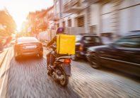 Livraisons de repas : ces maires qui déclarent la guerre aux scooters