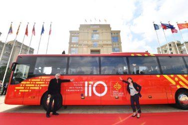 L'Occitanie a créé le réseau Lio (lignes intermodales Occitanie), unifié et bien identifié avec TER, autocars interurbains et scolaires, TAD, pôles d'échanges multimodaux et mobilités actives. Cela s'est fait progressivement au rythme des renouvellements de contrats.