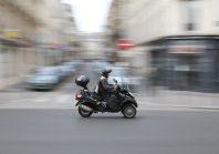 A Paris, la fin du stationnement gratuit pour les deux roues à moteur