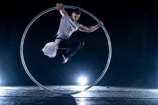 culture-spectacle-vivant-roue-cirque-Hladchenko Viktor-AdobeStock_414681404