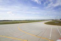 aerodrome-aeroport-piste-une