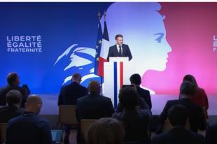 Emmanuel Macron aux Mureaux pour prononcer un discours sur la lutte contre les séparatismes, le 2 octobre 2020