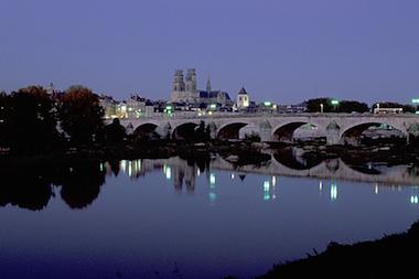 Orléans s'apprête à sauter dans le grand bain des métropoles
