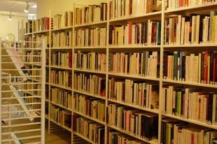 380 X 253 Bibliotheque Fourche a Clamart - UNE