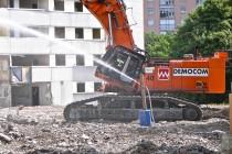 Démolition de l'immeuble Hêtre Pourpre sur le Plateau de Haye à Nancy.