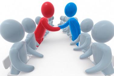 Accord entre deux camps négociation poignée de main