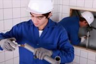 Apprentissage plombier, casque, sécurité travail