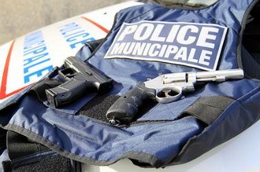 La loi prolongeant l'état d'urgence facilite l'armement des policiers municipaux