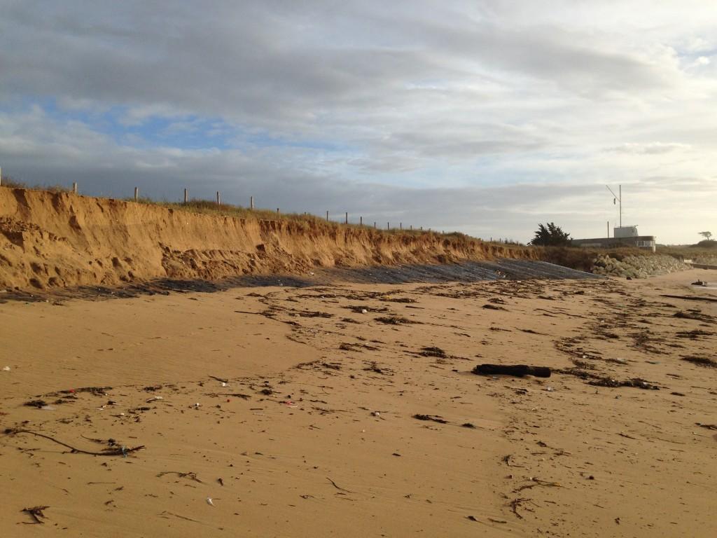 La Perroche (Ile d'Oleron) est l'un des trois sites où ont commencé hier les travaux d'urgence de potection de la côte.