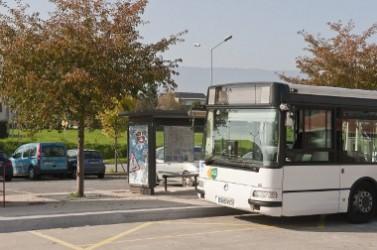 Bus et velo dans l'agglomerationparc-relais de maison brulee