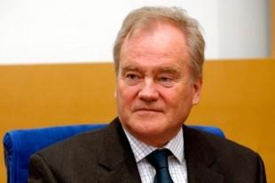 Christian Cambon, sénateur-maire (UMP) de Saint-Maurice (Val de Marne).