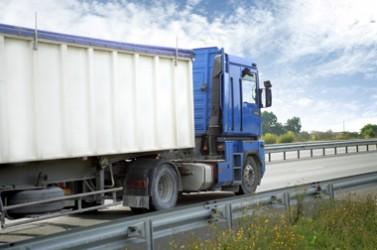 Camion sur 4 voies