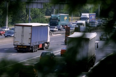 Embouteillage, voitures, camions
