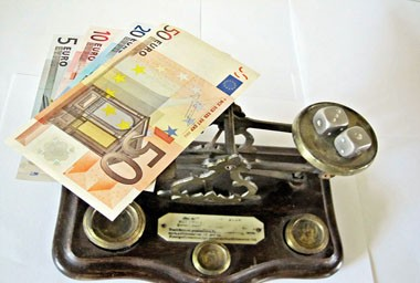 Euro_balance_by_Images_of_Money