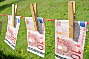 Euros_fil_a_linge_Image_of_Money