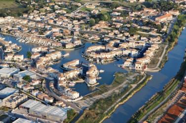 Photo aérienne des salins d'Aigues-Mortes